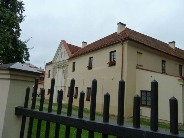 vilnius-p1630147-szent-kereszt-kolostor-udvar