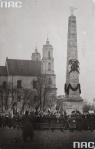 lengyel katonai emlékoszlop a lukiski téren