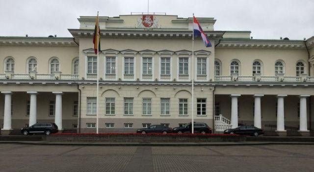 vilnius-img_1726-v-elnoki-palota-parade