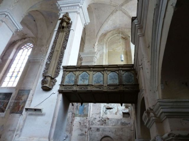 kaunas-p1630851-szent-gyorgy-templom-galeria-es-orgona-dekor