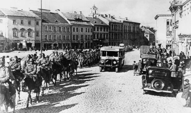 soviets_entering_wilno