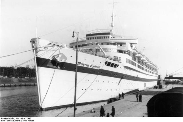 """Lazarettschiff """"Wilhelm Gustloff"""" in Danzig"""