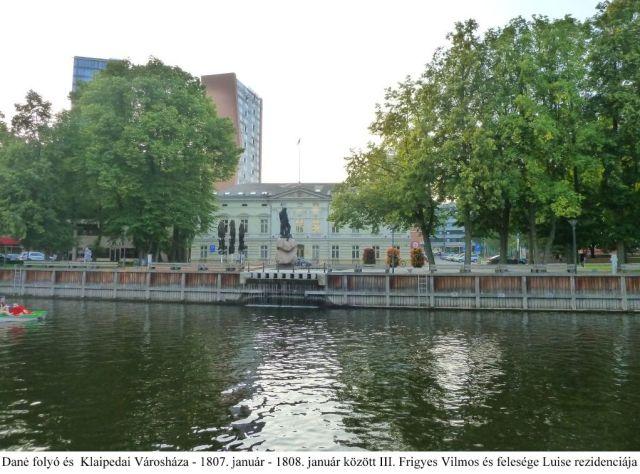 Klaipeda P1640074 Dané folyó és a Városháza