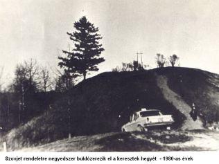 Szovjet rendeletre negyedszer buldózerezik el a keresztek hegyét 1980-as évek05