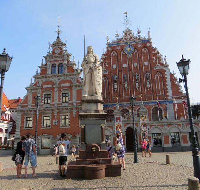 Riga IMG_7548 Gyö Melngalvju - Feketefejűek háza