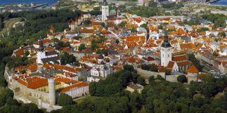 Tallinn_madártávlat,_óváros