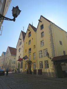 Tallinn IMG_7984 Gyö Pikk Jalg Három Nővér