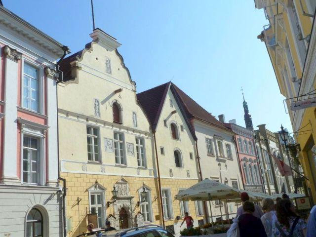 Tallinn P1650514 Pikk Jalg 26-24 St. Olaf és Feketefejüek Céh háza