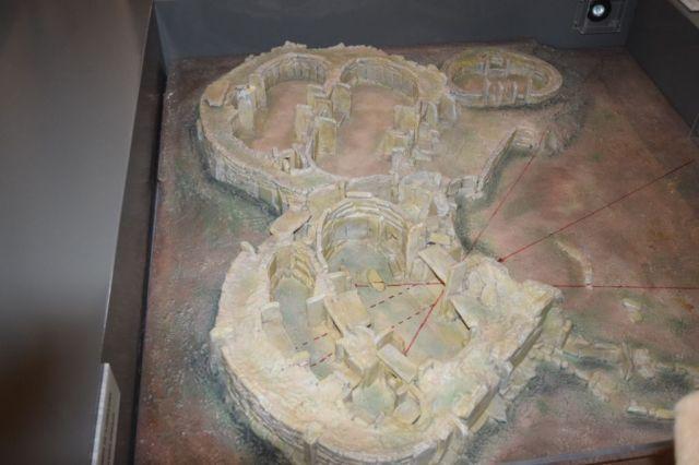 IMG_0800 1.nap Ħaġar Qim makettje V
