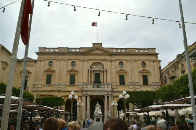 IMG_0867 2.nap Valletta, Viktória szobor és Nemzeti Könyvtár V