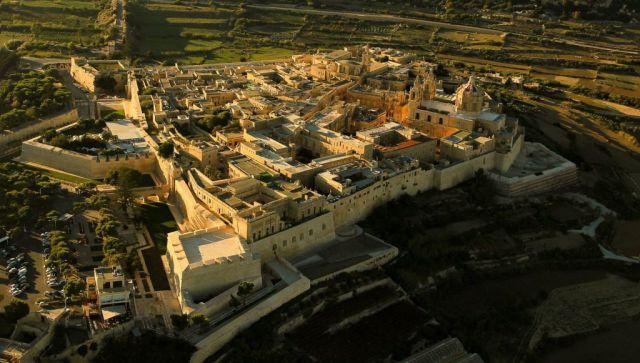 Aerial_view_Mdina,_Malta, Wikipedia