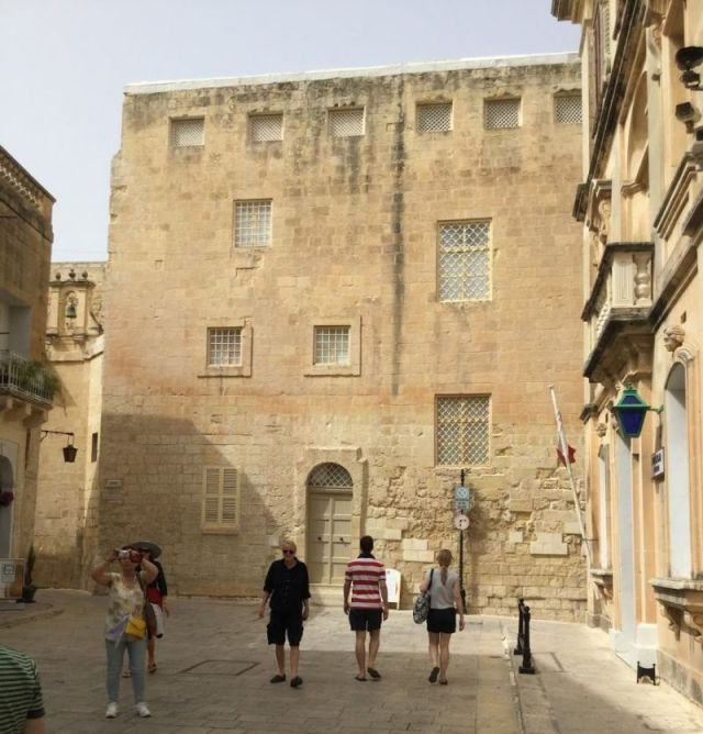 IMG_0232 3.nap V Mdina, Sz. Publius tér-Bencés kolostor