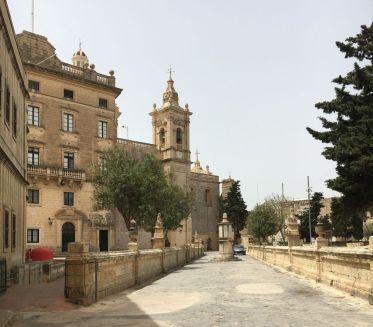 Málta IMG_4842 Zsu - Rabat, Szt. Pál tmpl felé