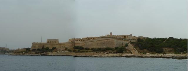 Fort Manoel, kollázs
