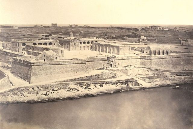 Fort_Manoel,_1870_by Frith, Francis