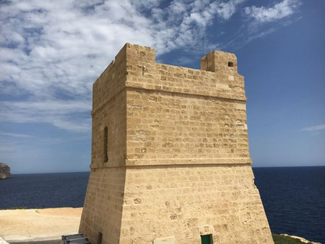 Málta, Kék barlang- Sciuta Tower-Lascaris_torony IMG_4566 Zsu
