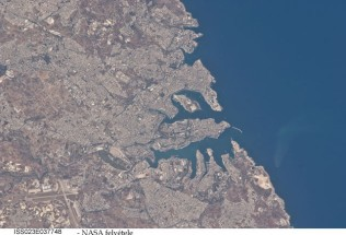 Valletta,_Malta, satellite view _ NASA
