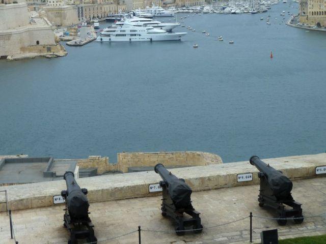 Málta P1670332 Valletta, Saluting Battery