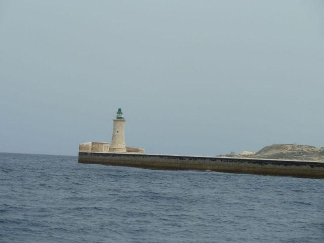 Málta P1670634 világító torony Grand Harbour