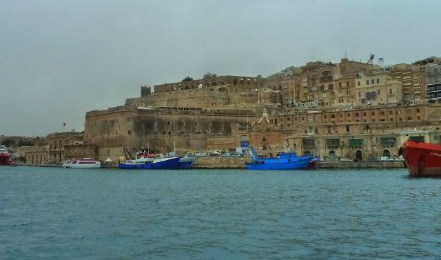 Málta P1670651 Grand Harbour Valletta, Upper Barakka, Custom House