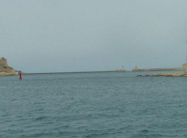 Málta P1670722 b hullámtörő Grand Harbour
