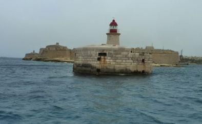 Málta P1670750 Grand Harbour Fort Ricasoli és a világítótorony