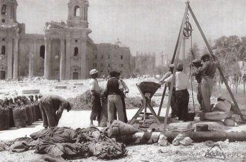 1940s Floriana workers haul grain from underground granaries