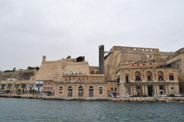 IMG_0921 2.nap V Grand Harbour, Valletta, Barrakka lift, régi vámház