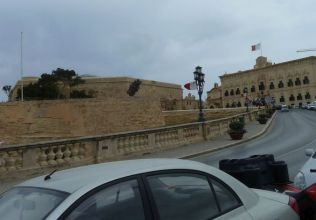 Málta P1670305 Valletta, St. James Cavalier és Elnöki palota