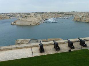 Málta P1670333 Valletta, ágyuállás a Lascaris sarkában