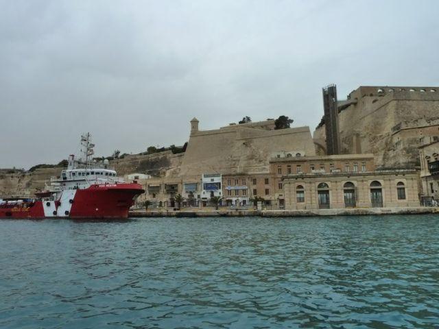 Málta P1670655 Grand Harbour Valletta, Barakka lift,