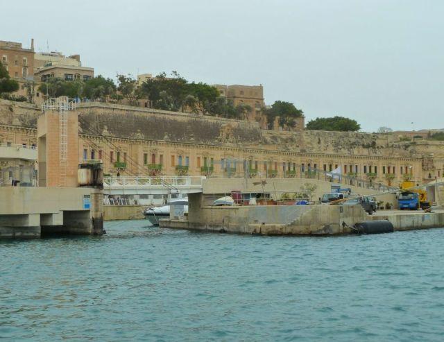 Málta P1670673 Grand Harbour Floriana-Valletta Waterfront