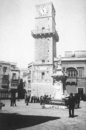 old-malta-19 Birgu- óratorony, főtér