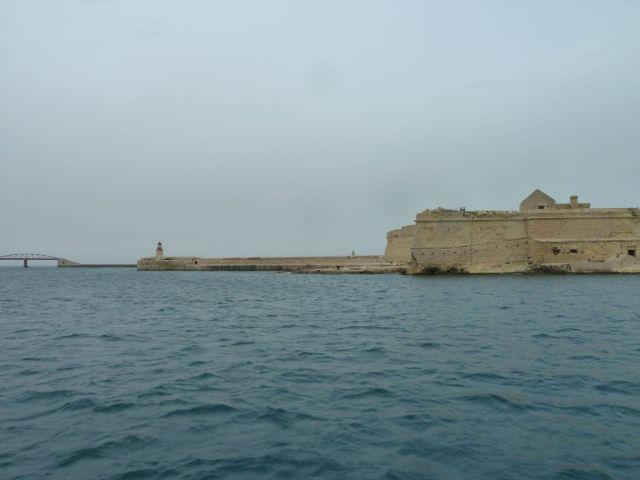 Málta P1670747 Grand Harbour, hullámtörő