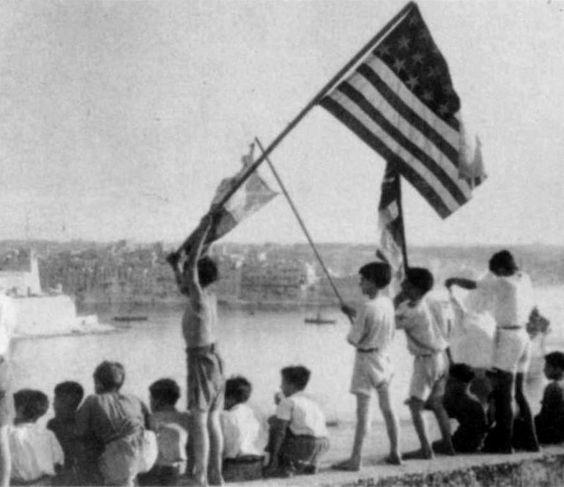 1942. aug. 15. az Ohio hajó megérkezése Grand Harbourba