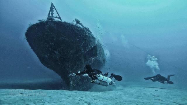 elsüllyedt hajók a tenger mélyén