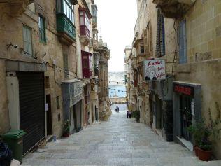 Málta P1670537 Valletta, lépcsők