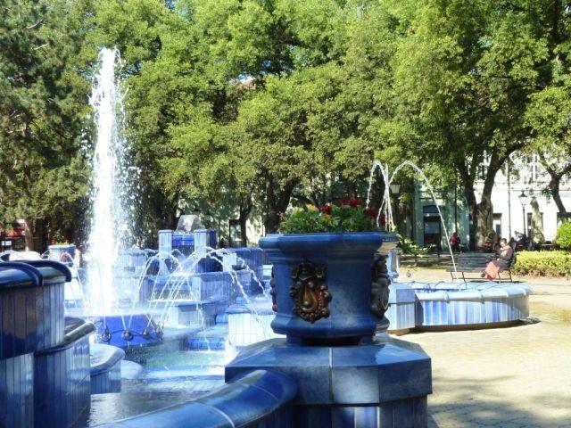 Szabadka 004 P1760926 Köztársaság tér, Kék szökőkút