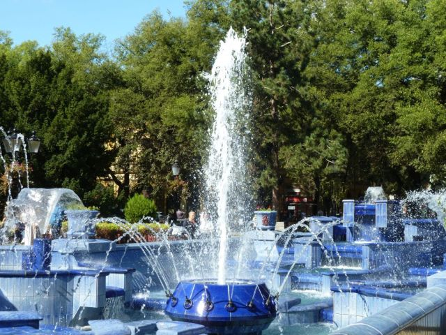Szabadka 005 P1760927 Köztársaság tér, Kék szökőkút