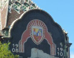 Szabadka P1760916 Városháza címer