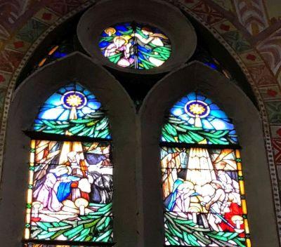 76 a Pacsirtatelepi Magyarok Nagyasszonya felső ablakpár