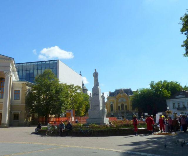 Szabadka P1760885 Szabadság tér, Cserni Jovan szobor