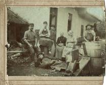 Ismeretlen kádár családjával, 20. sz. eleje - tulajdonos Appel Péter