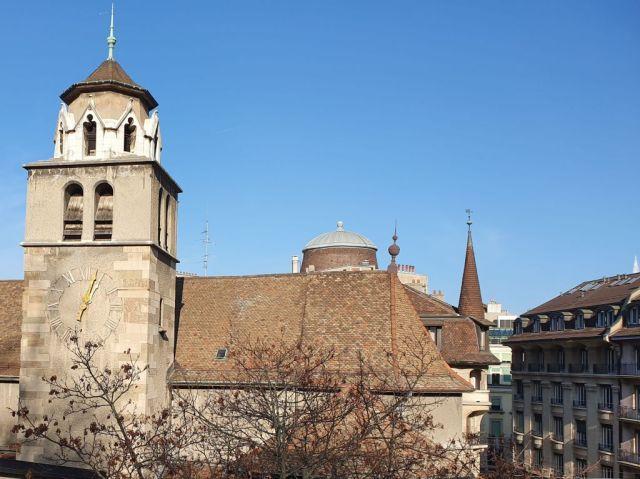 Genf 20191206_130441 Eglise de la Madeleine, és tetők