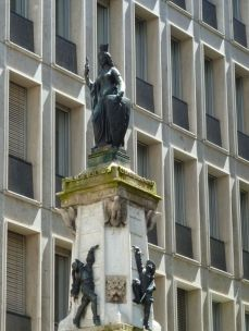 Genf, f210972256 cr La fontaine de l'Escalade