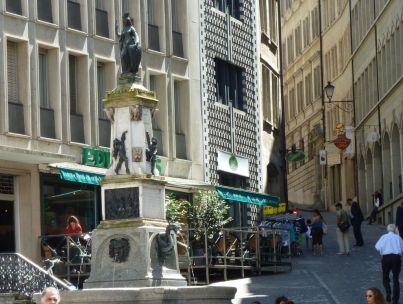 Genf, f210989464 b cr La fontaine de l'Escalade
