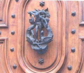 kopogtató, Rue de l'Hôtel-de-Ville 12