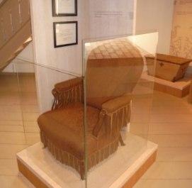 14 nagyszalonta-csonka-torony-arany-janos-emlekmuzeum-arany-janos-fotelje-melyben-meghalt-9